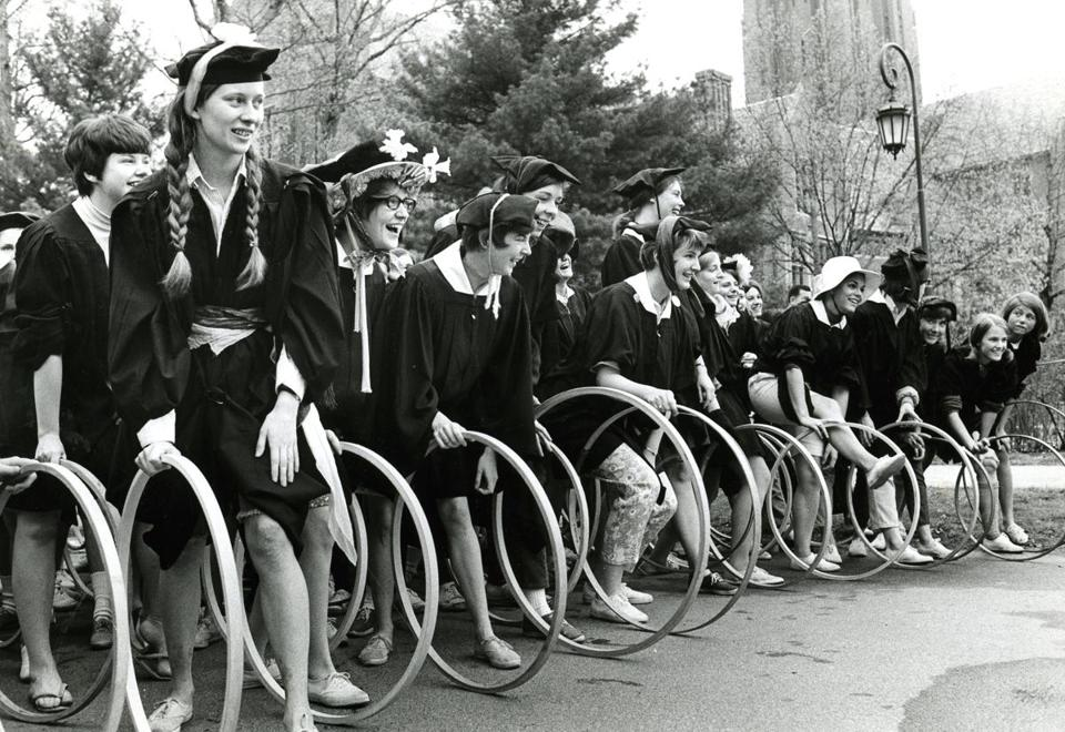 May 4, 1968: Wellesley College seniors lined up on Tupelo Lane before the start of the hoop rolling race.